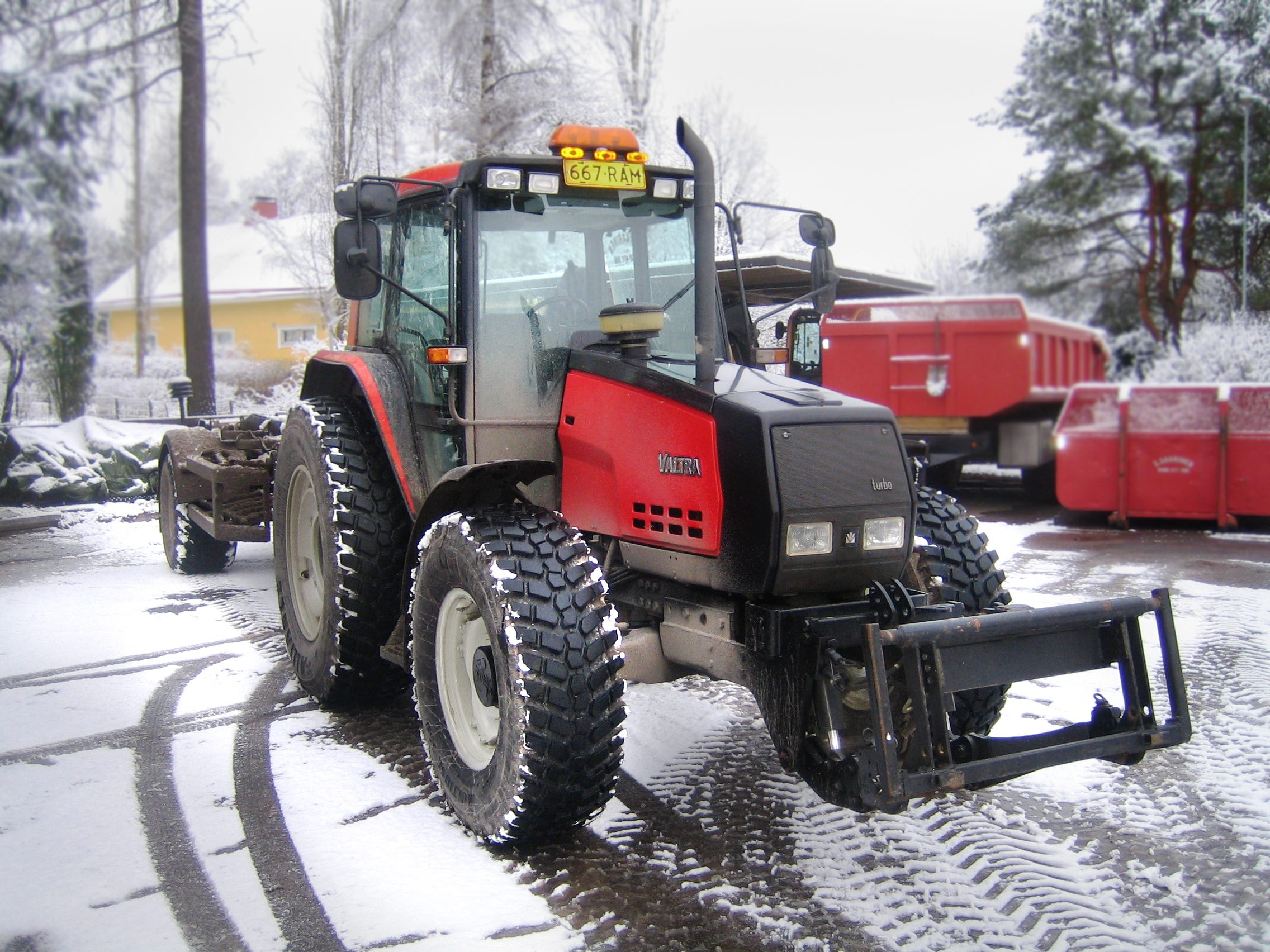Alliance_Multiuse_550_on_Red_Tractor.jpg