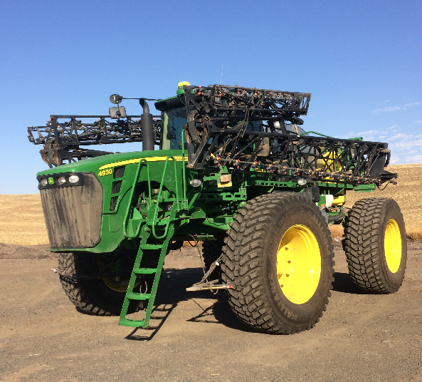 John Deere 4930 Sprayer with Alliance 550 Multiuse Tires