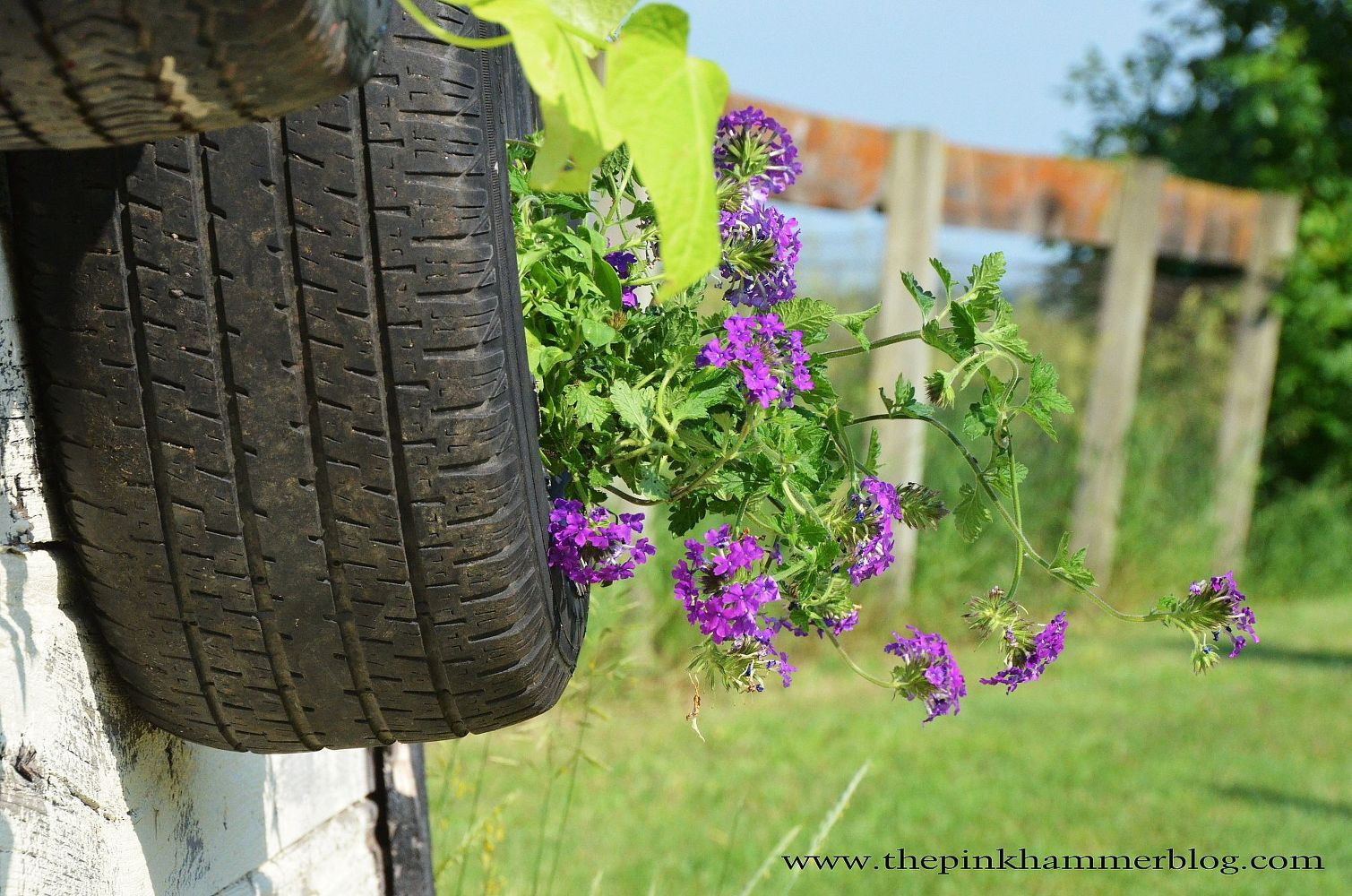 from-old-tires-to-upcycled-tire-planters-diy-trash-to-treasure-flowers-gardening-outdoor-living.1.jpg