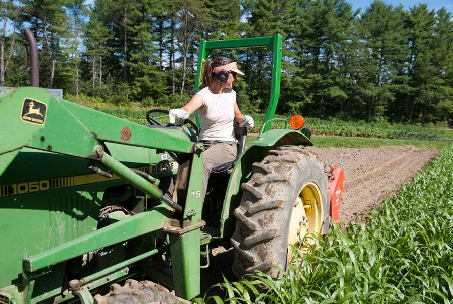 Women-in-farming.jpg
