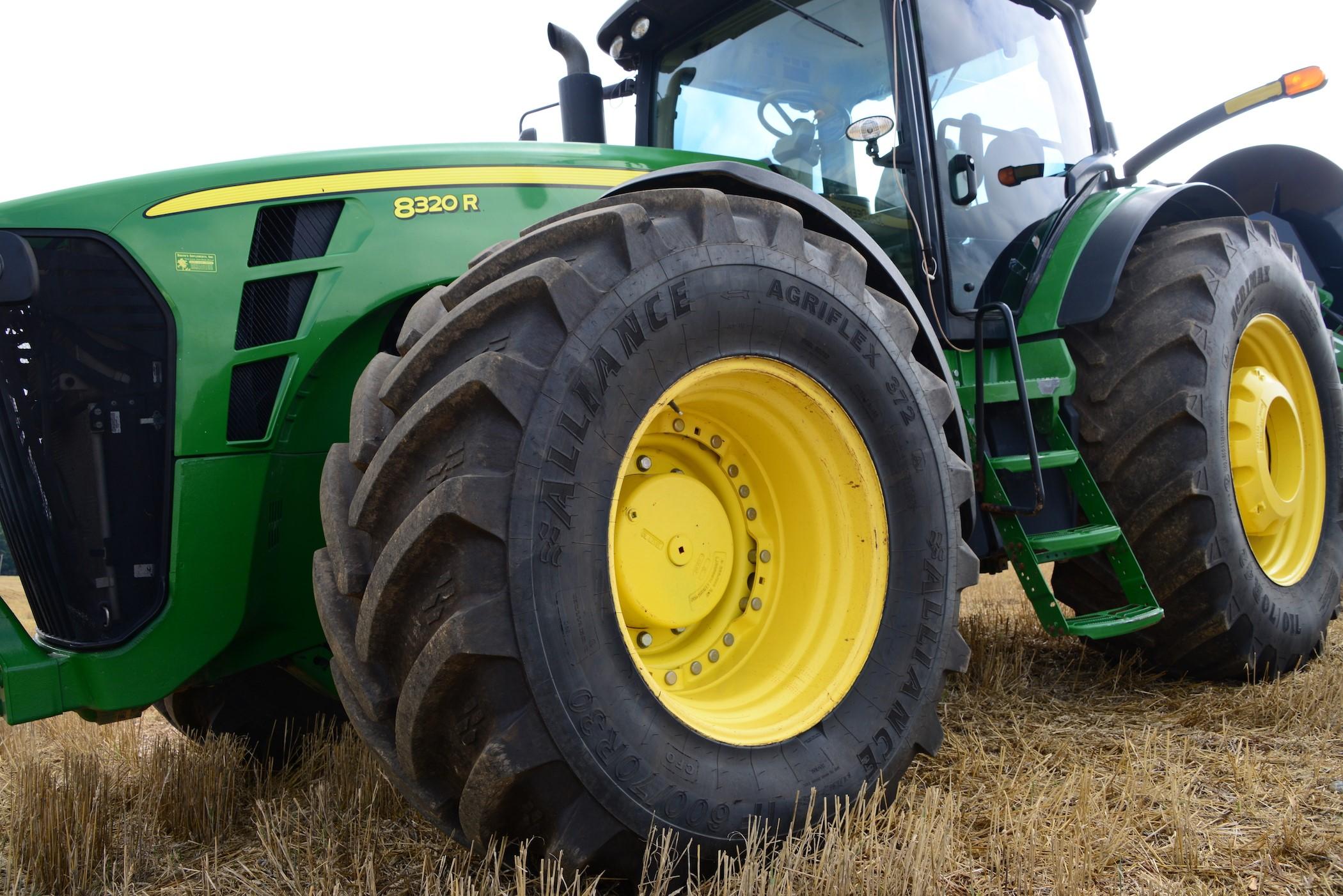 Alliance AgriFlex 372 Tractor Tire